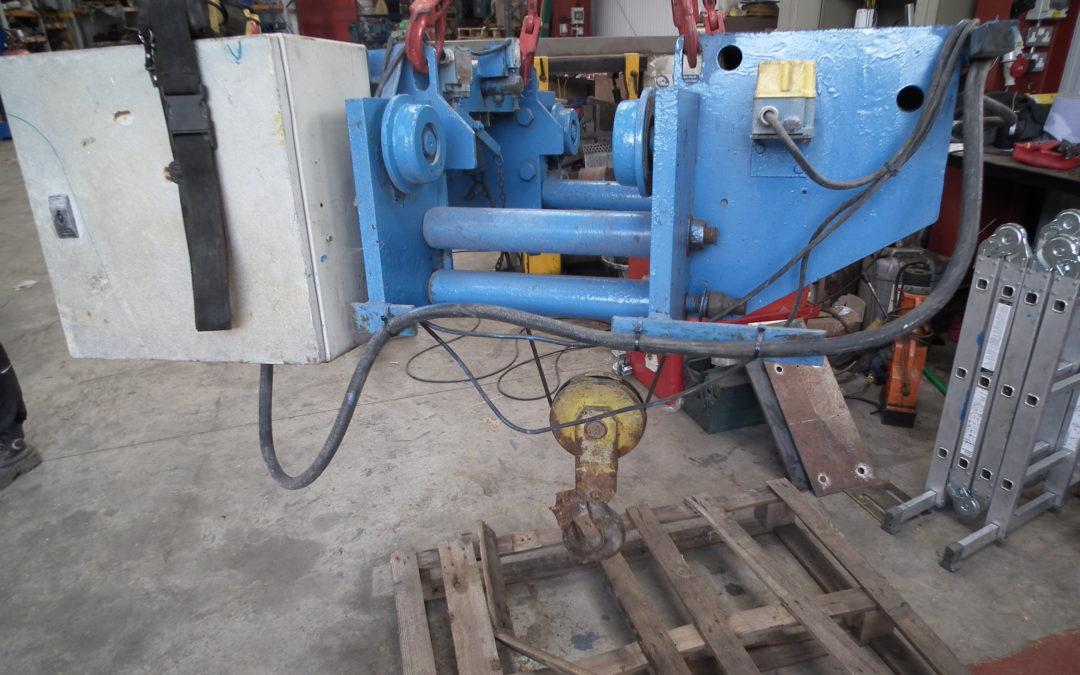 2 tonne hoist AG262-3