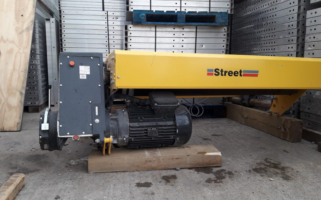 Street Monorail Wire Rope Hoist, With 40 meters of lift Height.