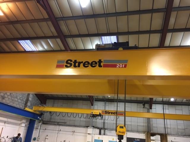used street overhead crane