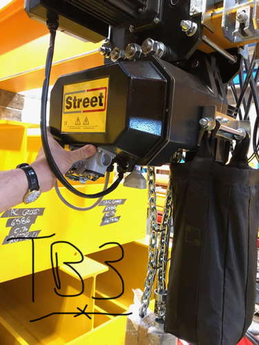 Street chain lifting hoist