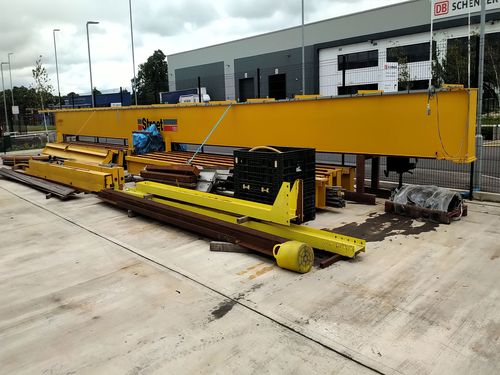 10 tonnes lifting crane